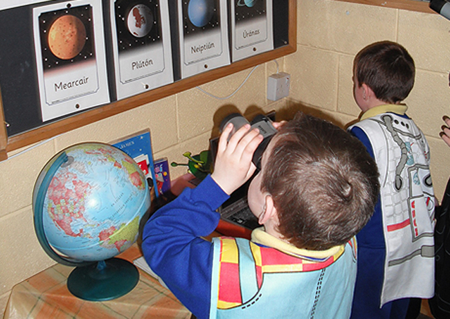 Gaelscoil Children in Science Class